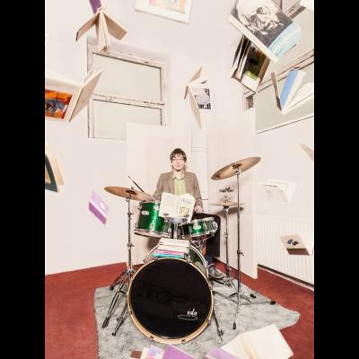 Space to share: drums stor bild